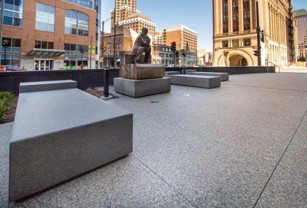 BMO Tower outdoor plaza. Photo courtesy of Amanda Marek/Irgens Partners