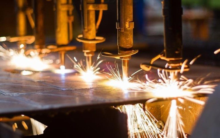 The Milwaukee manufacturing sector contracted in July