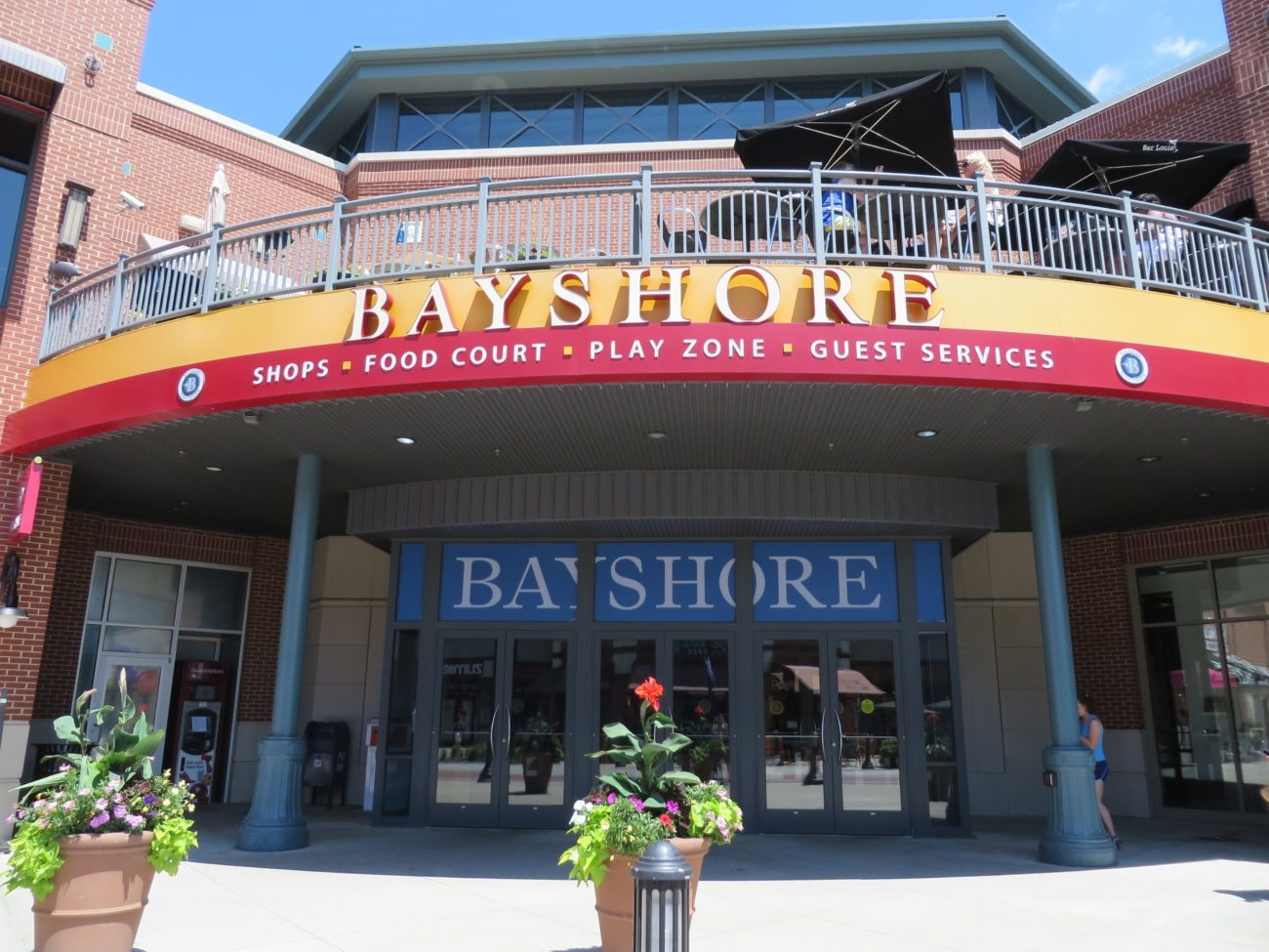 American Eagle, Shaw's Jewelers to close Bayshore locations