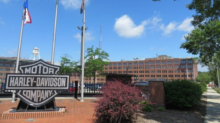 Harley Davidson Milwaukee >> Harley Davidson Job Cuts Hit General Merchandise Business In