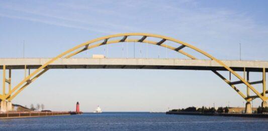 The Daniel Hoan Memorial Bridge in Milwaukee.
