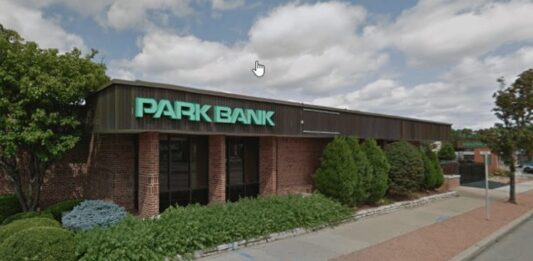 First Midwest acquiring Park Bank