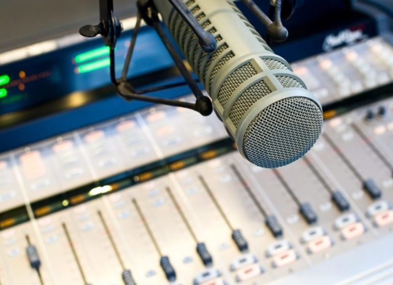 Radio microphone and mixer