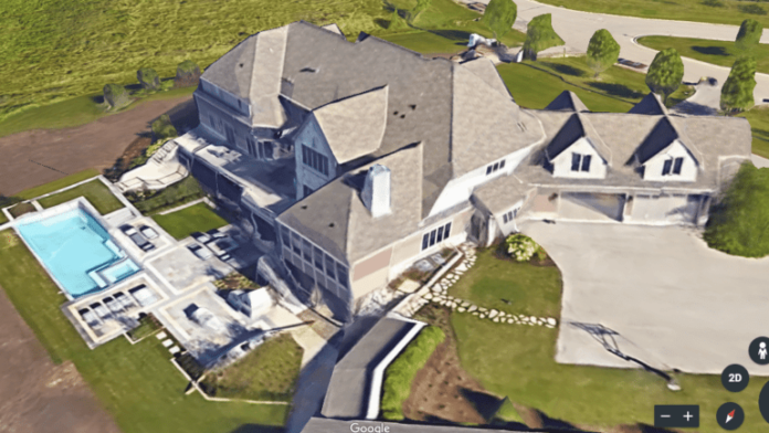 Google Earth image of the Mequon home purchased by Bucks guard Tony Snell.