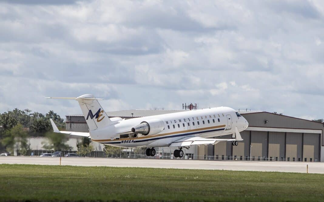 The first plane for the new Midwest Express Airlines