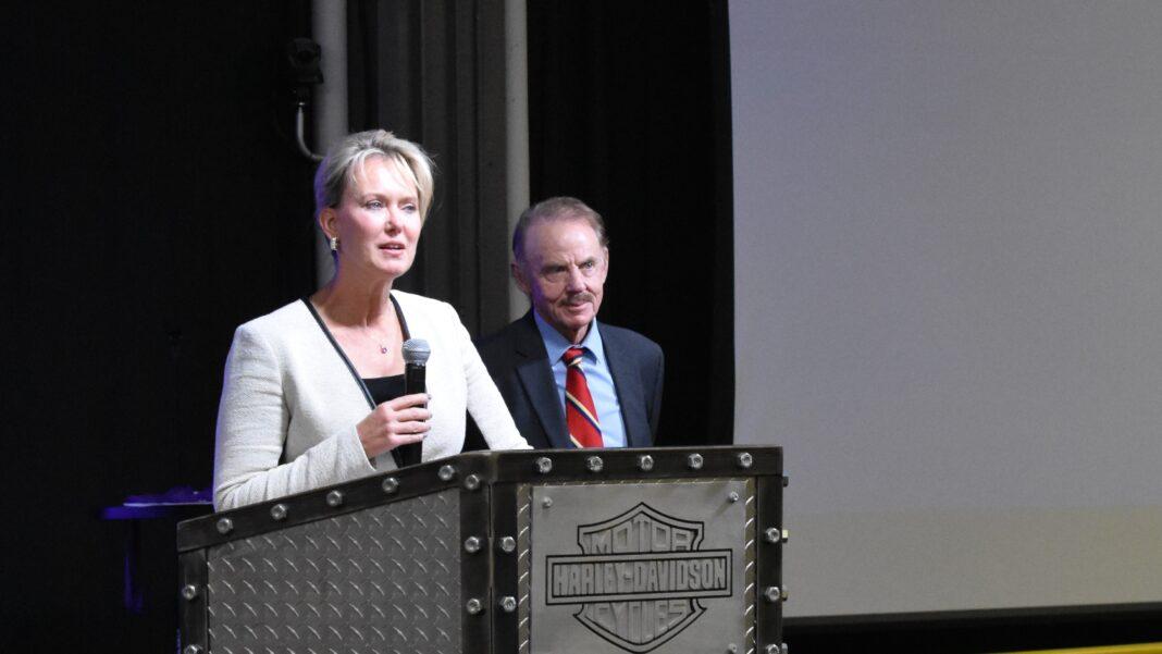 BizStarts Board Chairman Anna Hanna inducts BizStarts President Dan Steininger into the BizStarts Hall of Fame.