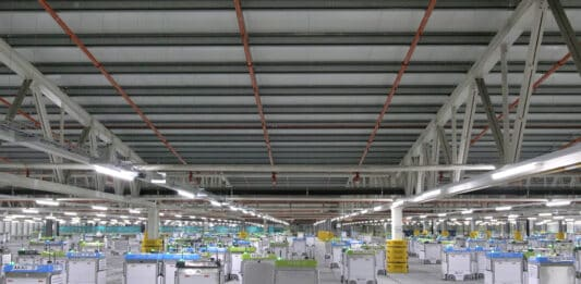 Bots operating on a grid in a Kroger fulfillment center. Photo courtesy of Kroger.
